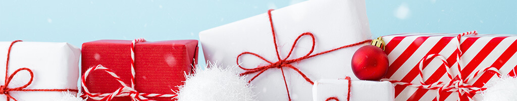 winter christmas shopping wrap gifts